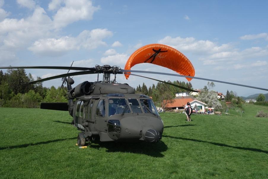 Top Gun Black Hawk topgelandet